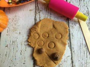 pumpkin-pie-playdough