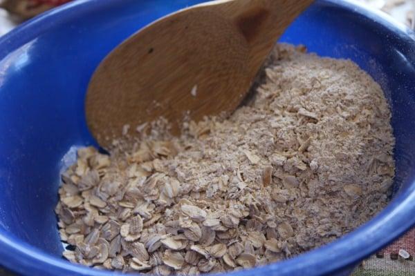 christmas-oatmeal-stir